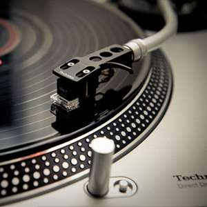 2x Technics SL 1200's