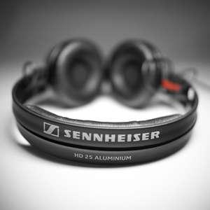 1x Sennheiser HD25